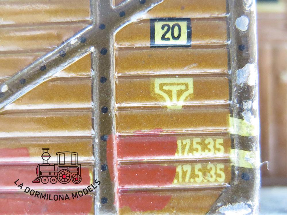 DN179 ESCALA 0 MÄRKLIN 17710 VAGON MERCANCIAS CON GARITA 17710 Om + carga