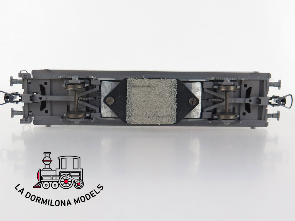 PL346 H0 =DC ROCO 46400 Schienenreinigungswagen