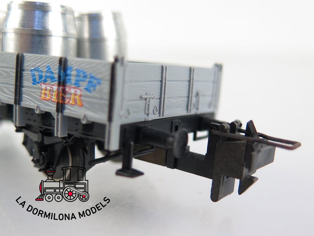 PL355 H0 =DC TRIX 23925 Niederbordwagen mit Fässern