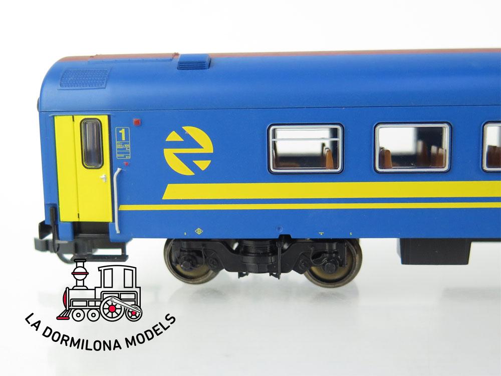 PL365 H0 =DC ROCO 64534 Coche Pasajeros NUEVA IMAGEN 70 104-7 RENFE - OVP