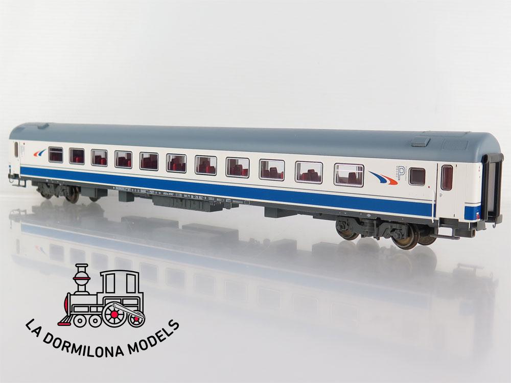 PL367 H0 =DC ROCO 64531 Coche Pasajeros DANONE Grandes líneas RENFE - OVP