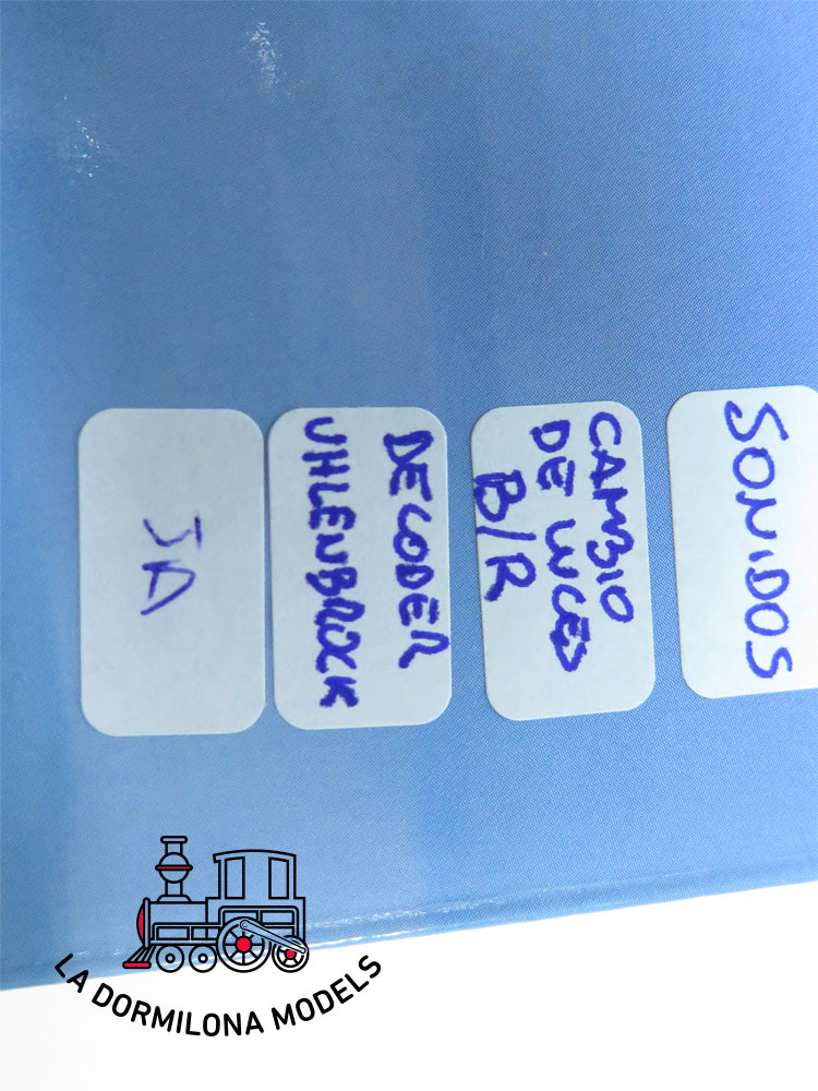 JA134 H0 =DCC + SONIDO ELECTROTREN SET INICIACION + 269 PANTONE RENFE - OVP