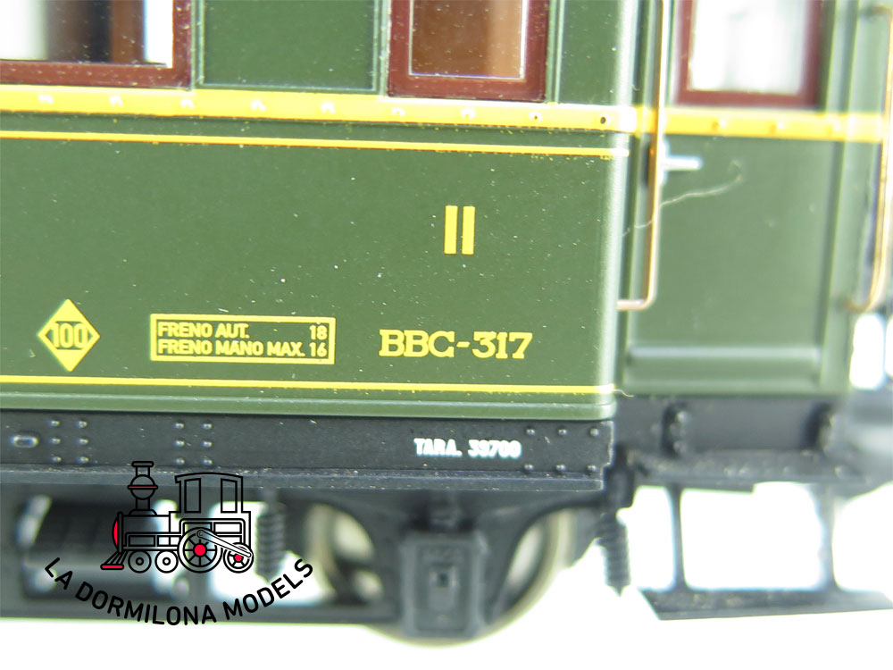 JA141 H0 =DC ELECTROTREN E15014 COCHE VERDERON II/III Clase BBC 317 RENFE + LUZ - OVP