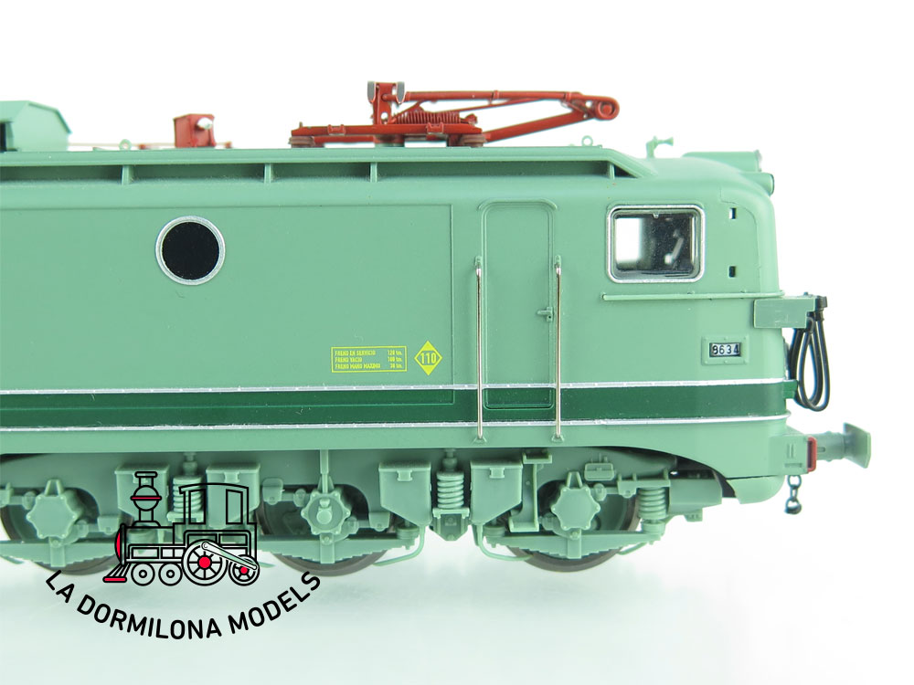 XA114 H0 =DCC DIGITAL ELECTROTREN 2743 Locomotora eléctrica 8634 Mando multiple RENFE - OVP