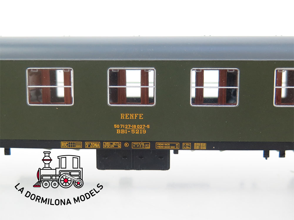 DA520 H0 =DC ELECTROTREN COCHE VIAJEROS BB1-5219 II Clase RENFE - S/C